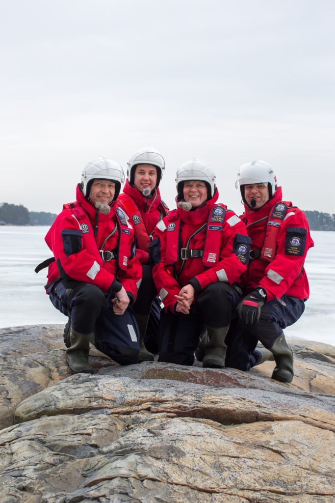 Vuoden meripelastajat 2016 Mikrolog III:n miehistö