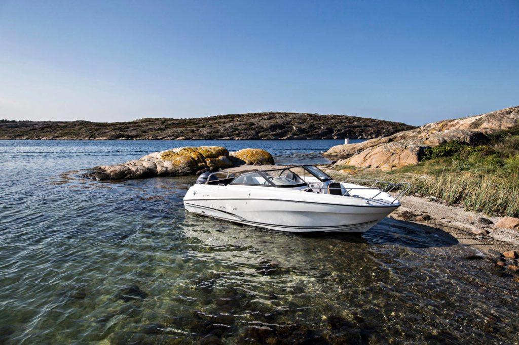 Viime vuoden eniten myyty ulkomainen vene Suomessa oli Jeanneau. Mallistossa täytyy olla muutakin kuin ranskalaista eleganssia.