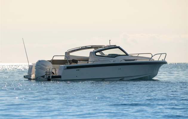Vene 18 Båt: Nimbukselta uusi mallisarja