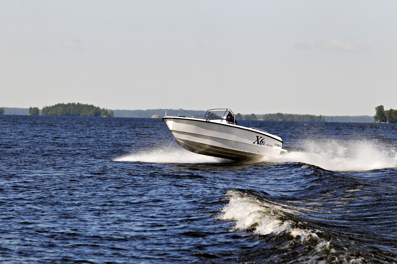 Willy's X6 on edullisemmin toteutettu iso pulpettivene kuin mitä isot valmistajat nykyään tekevät.